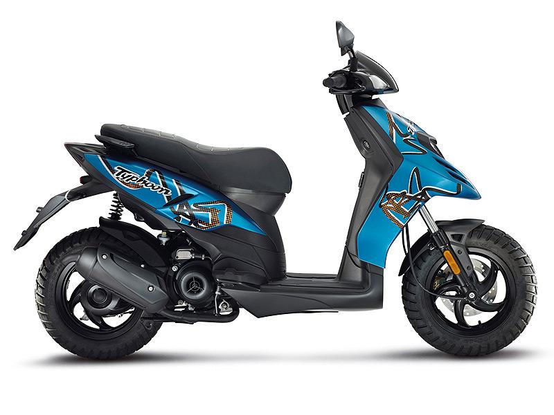 scooter piaggio typhoon 50 2t d couvrez la nouvelle dition de ce scooter au look sportif. Black Bedroom Furniture Sets. Home Design Ideas