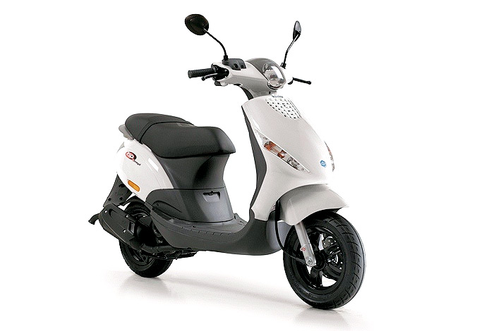 scooter piaggio zip 50 2t le best seller des 50cc d couvrez le en exclusivit chez france scooter. Black Bedroom Furniture Sets. Home Design Ideas