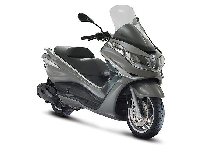 scooter piaggio x10 350 executive une conduite de nuit 100 s curis gr ce au syst me d. Black Bedroom Furniture Sets. Home Design Ideas
